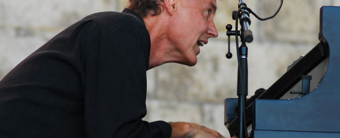 BRUCE HORNSBY _ LIVE PHOTO BY SEAN SMITH
