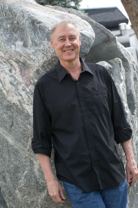 Solo Piano Master: Bruce Hornsby on, er, near the rocks. Photo by Michael Martin. (Featured photo above by Sean Smith.)
