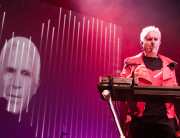 HOWARD JONES _ KEYS AND FACE _ PHOTO BY PETER FANNEN